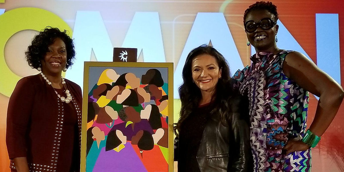 Nina Vaca receives the 2017 Mosaic Woman Trailblazer Award by Diversity Woman