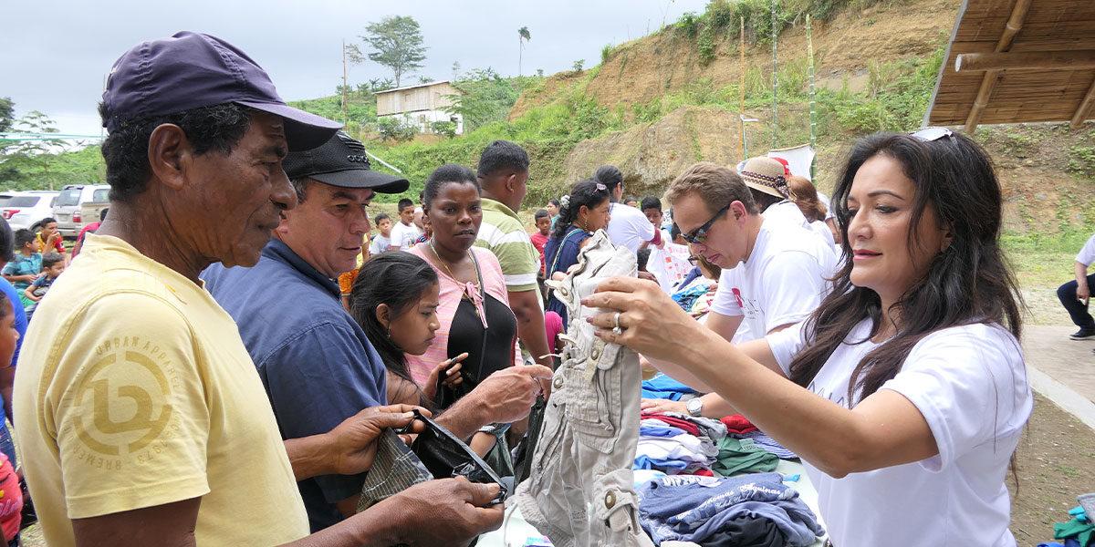 Nina Vaca Foundation cuts ribbon on village in Ecuador
